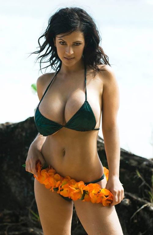 Hot Indian Actresses In Bikini